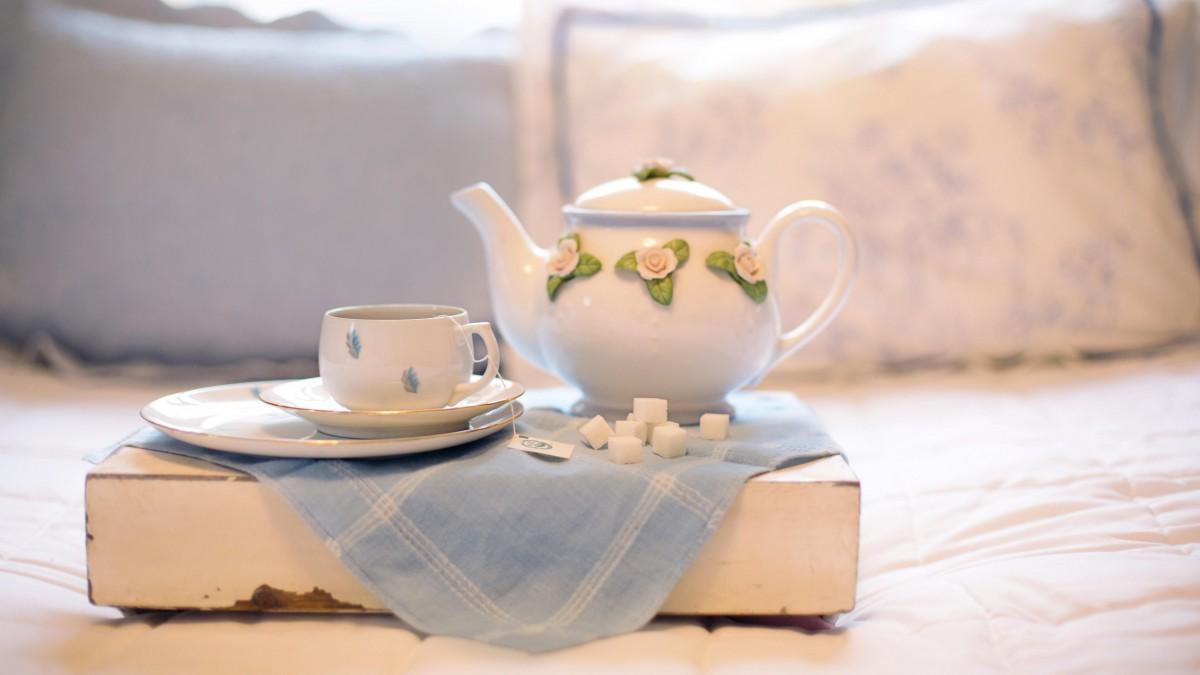 精美瓷器茶壶茶杯图片